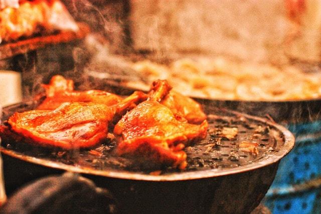 street-corner-roast-chicken-leg 图片素材