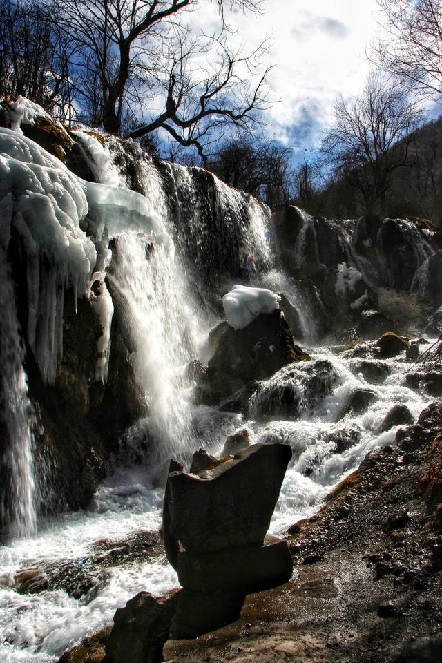 waterfall-body-of-water-nature-water-natural-landscape 图片素材