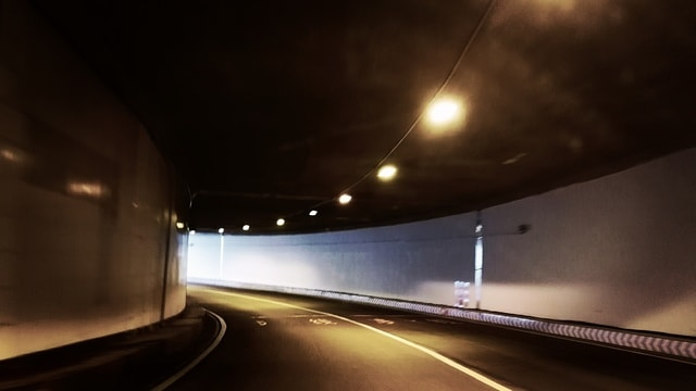 tunnel-road-freeway-highway-mode-of-transport 图片素材