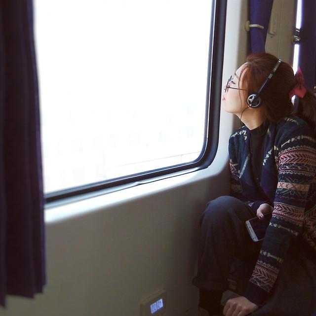 window-people-vehicle-window-woman-indoors 图片素材