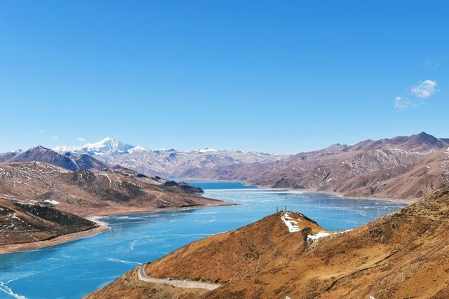 sheep-lake-lake-tibet-scenery-mountain picture material