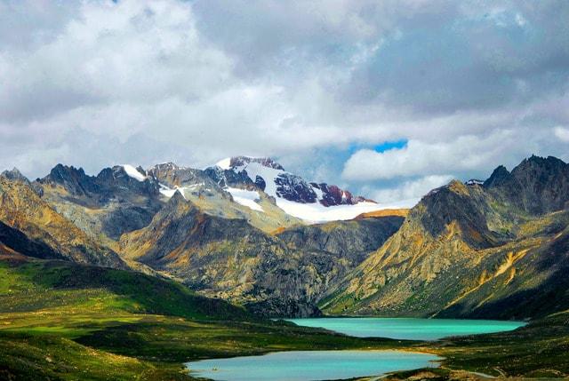 mountainous-landforms-mountain-highland-natural-landscape-nature 图片素材