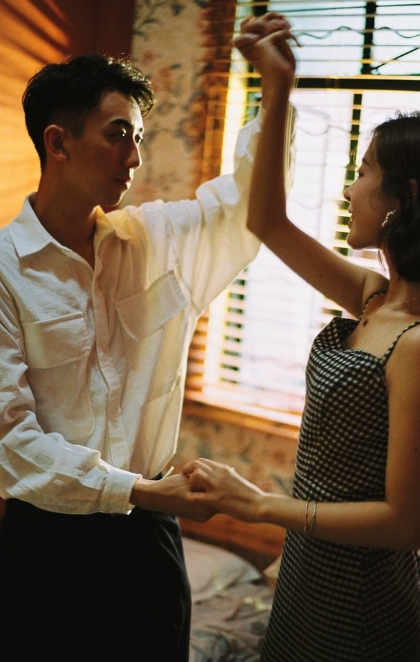 gesture-hand-conversation-holding-hands-dance picture material