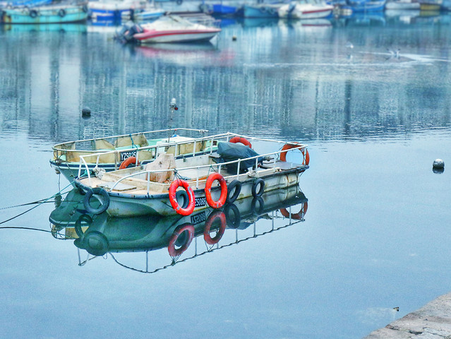 water-transportation-system-winter-boat-travel picture material