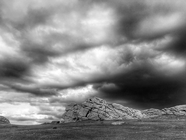 monochrome-storm-sky-black-white-cloud picture material