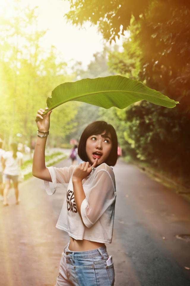 nature-summer-outdoors-girl-woman picture material