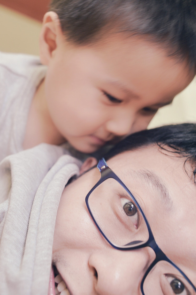 love-son-portrait-child-affection picture material