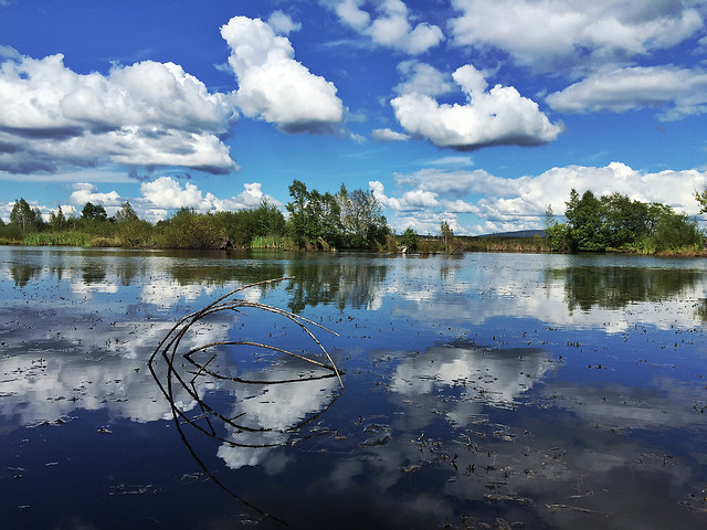 reflection-lake-water-landscape-cloud picture material