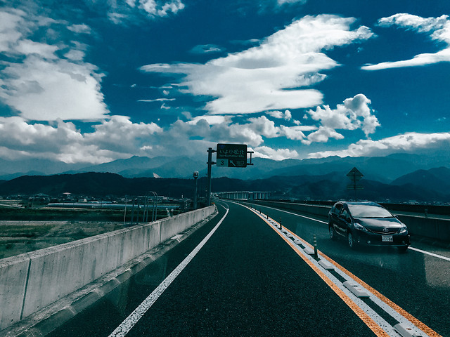 road-travel-transportation-system-cloud-sky 图片素材