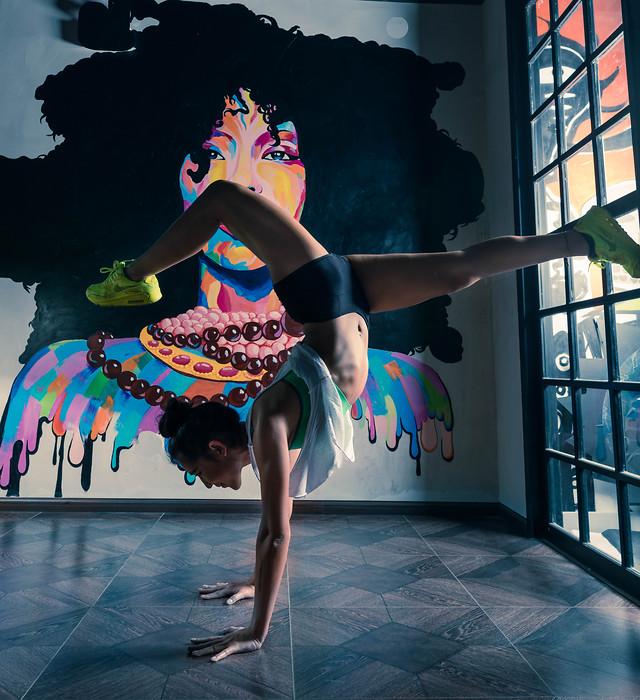 dancer-dancing-woman-gymnastics-girl picture material
