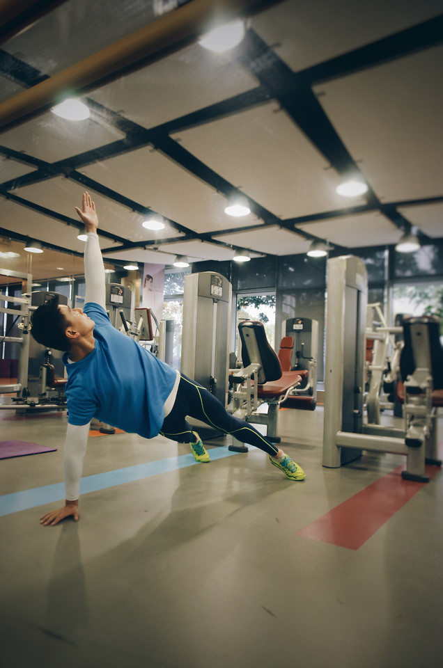 fitness-muscle-gym-sport-indoors picture material