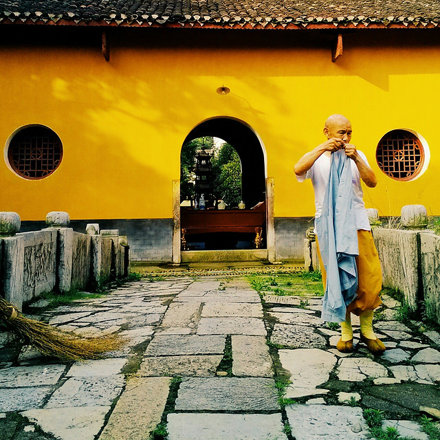 street-people-yellow-travel-architecture picture material