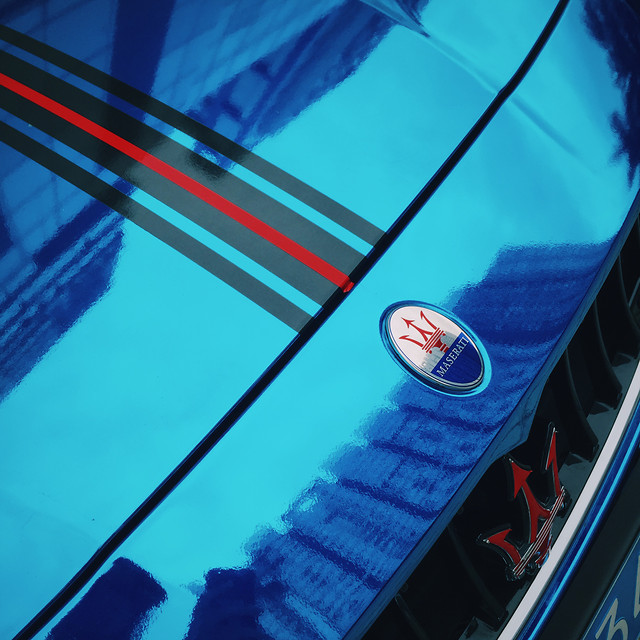 blue-transportation-system-red-blur-reflection picture material