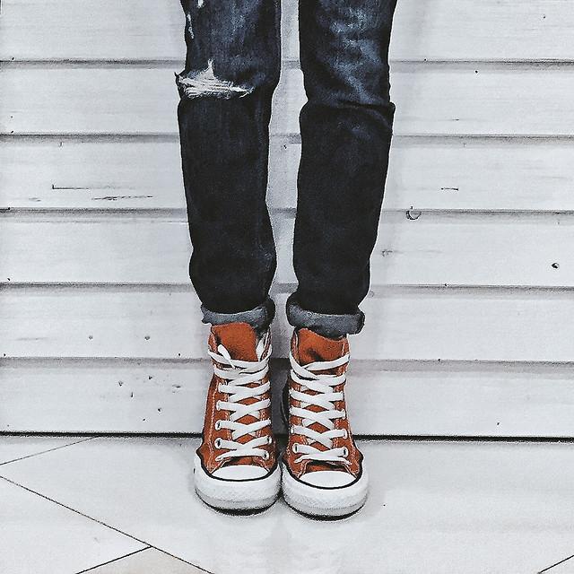footwear-wear-shoe-foot-people picture material