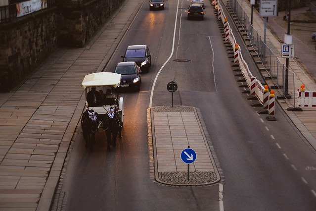 transportation-system-road-street-traffic-travel 图片素材