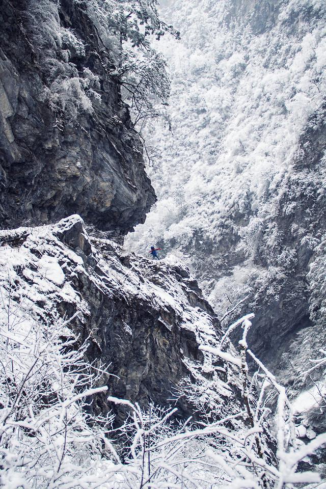 winter-ice-snow-geological-phenomenon-black-and-white 图片素材