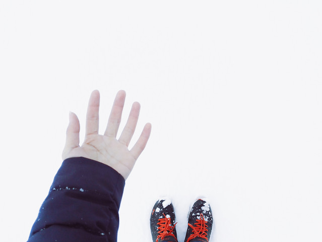 woman-hand-people-winter-isolated 图片素材
