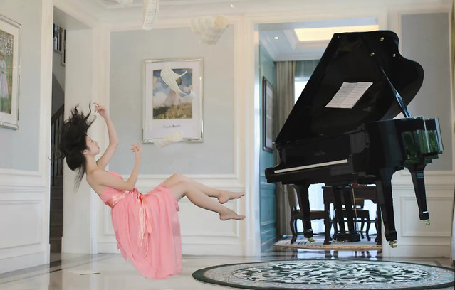 piano-people-music-indoors-woman picture material