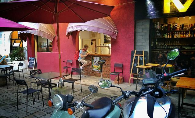 restaurant-bar-table-chair-seat 图片素材