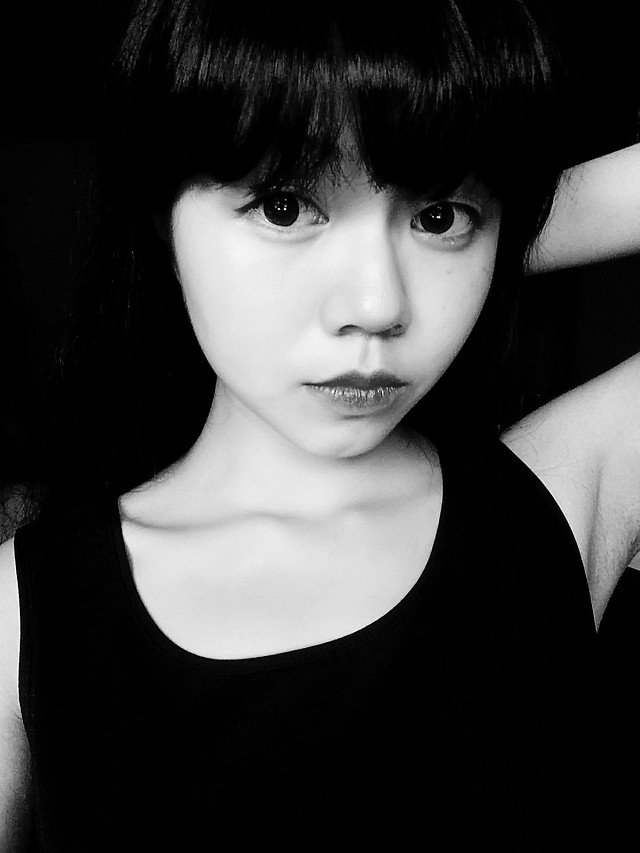 monochrome-portrait-fashion-girl-woman 图片素材