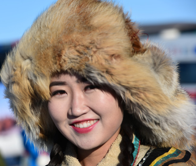 winter-cold-portrait-fur-snow picture material