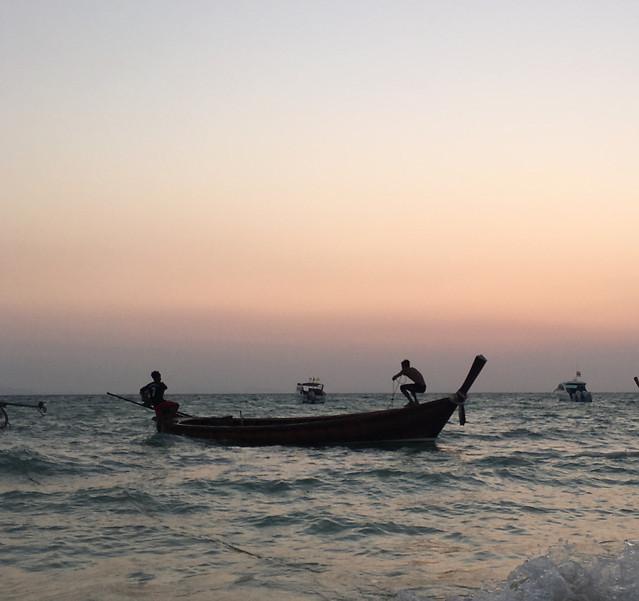 watercraft-water-fisherman-sea-ocean picture material