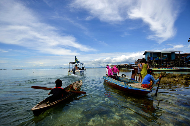 watercraft-water-vehicle-boat-travel picture material