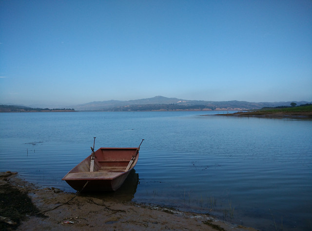 water-lake-no-person-watercraft-travel 图片素材