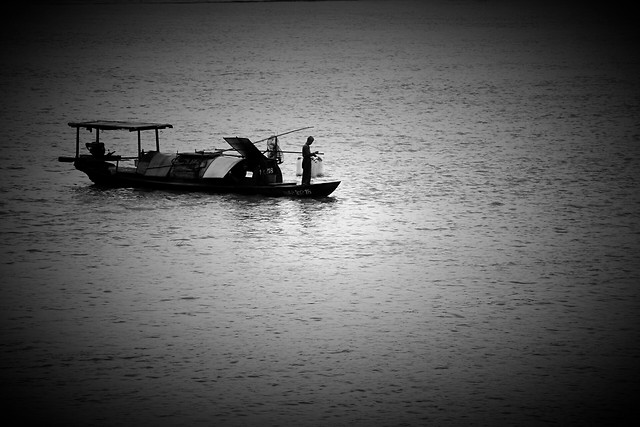 boat-monochrome-water-watercraft-sea picture material
