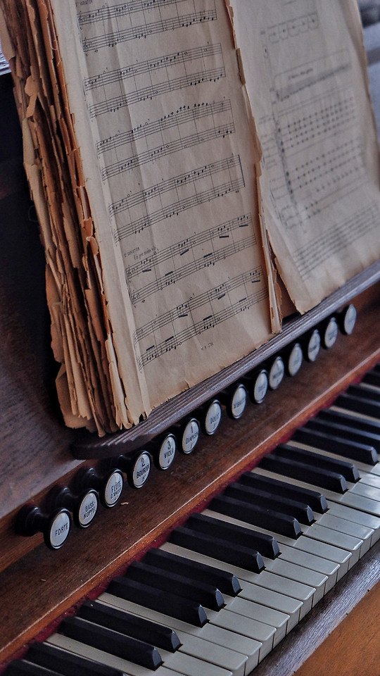 piano-music-instrument-classic-harmony picture material