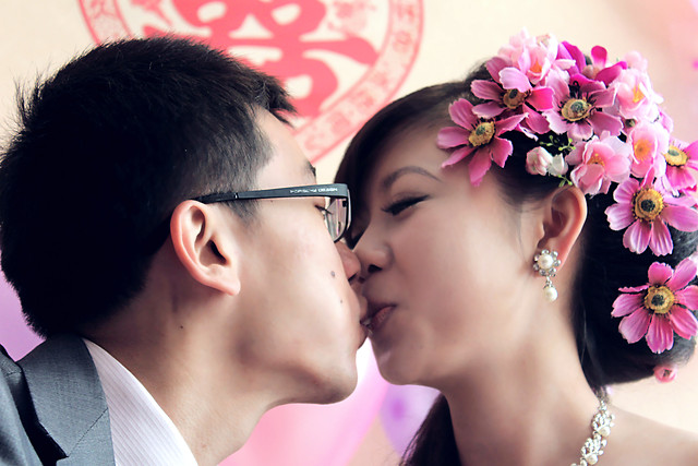 wedding-woman-love-groom-pink picture material