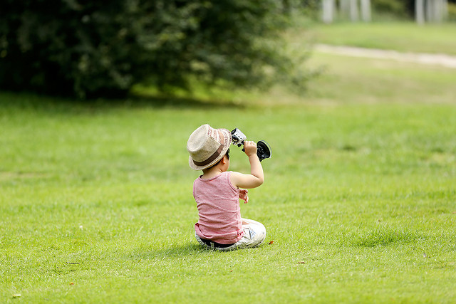grass-child-green-leisure-photograph picture material