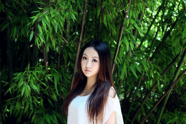 nature-summer-girl-park-green picture material