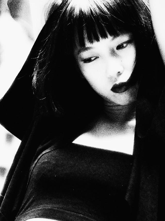 portrait-monochrome-girl-model-people picture material