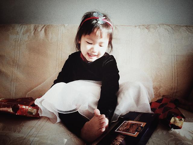 people-room-sofa-child-girl 图片素材