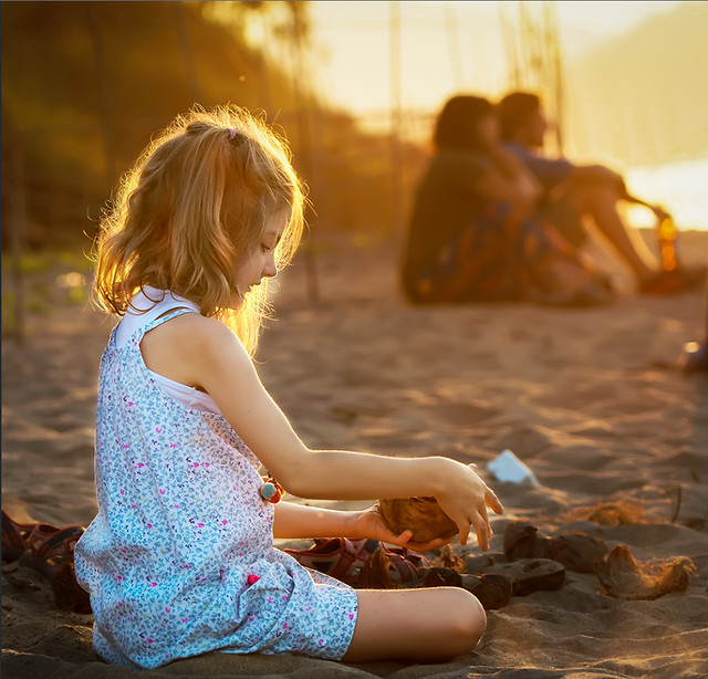 girl-child-people-beach-water picture material