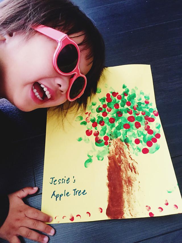 people-child-fun-eyewear-cute picture material