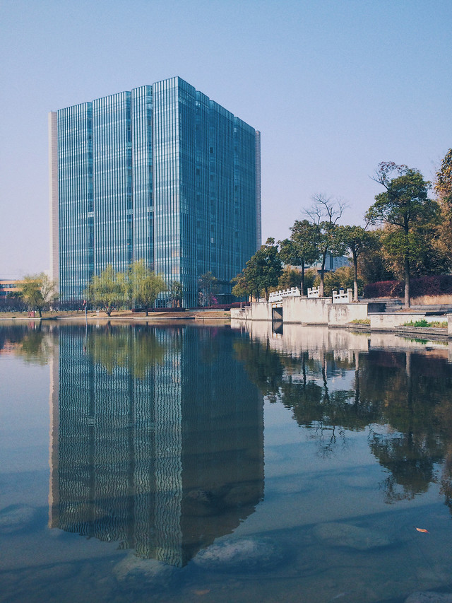 reflection-architecture-no-person-city-water 图片素材