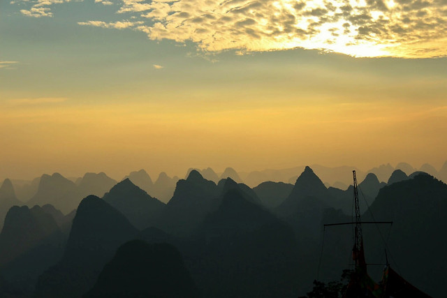sunset-dawn-fog-mountain-mist 图片素材