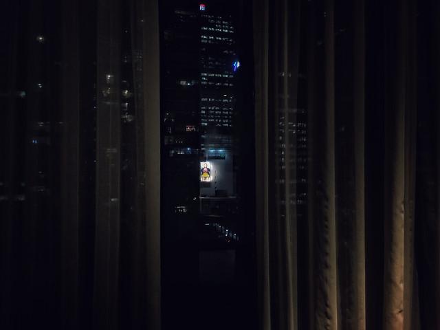 light-spotlight-dark-blur-window picture material