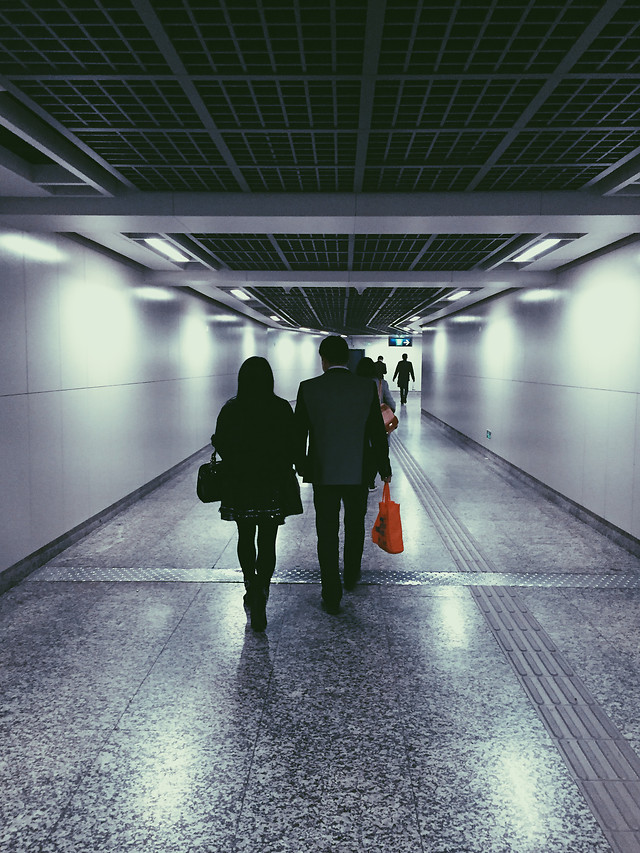 subway-system-airport-tunnel-blur-commuter picture material