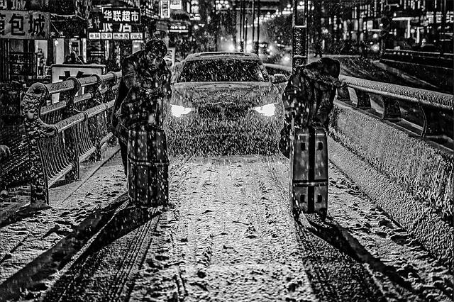 people-track-monochrome-street-transportation-system 图片素材