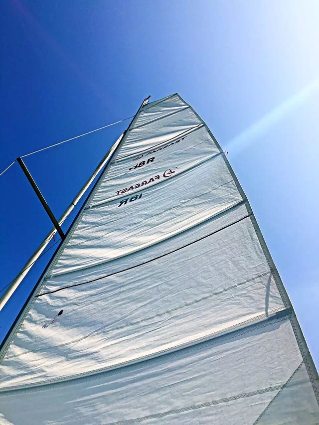sailboat-sail-sky-no-person-yacht picture material