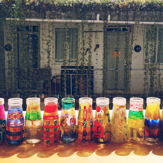 color-container-desktop-bottle-city picture material