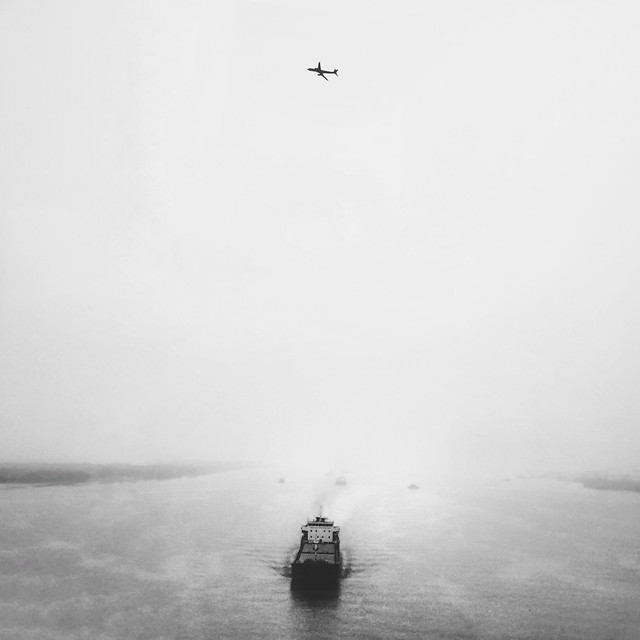 fog-people-watercraft-water-sea picture material