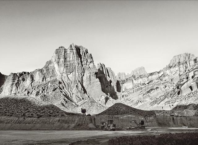 landscape-mountain-snow-travel-rock picture material