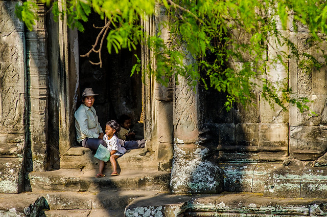 travel-people-nature-stone-water picture material