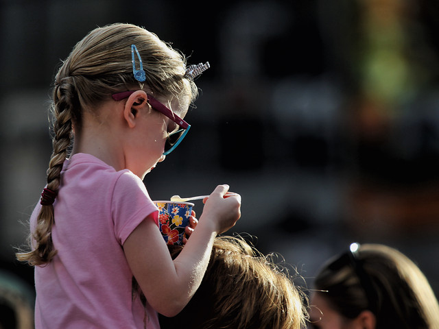 people-child-glasses-music-competition picture material
