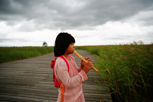 girl-nature-child-sky-summer picture material