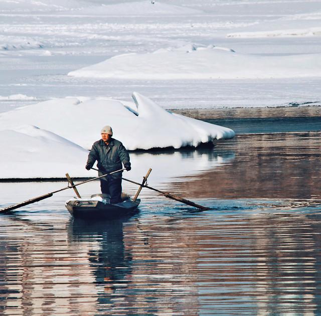 water-fisherman-recreation-watercraft-lake picture material
